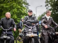 Internationale karavaan viert 70 jaar Solex met hulpmotor in Oosterbeek