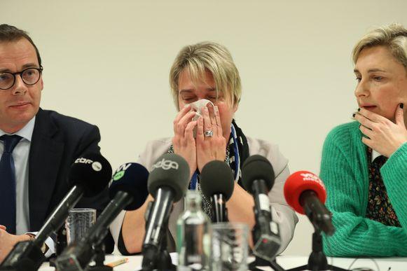 Joke Schauvliege kondigde gisteren in tranen haar ontslag uit de regering aan.