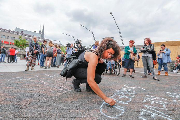 Demonstratie tegen Pegida op Stadhuisplein in Eindhoven