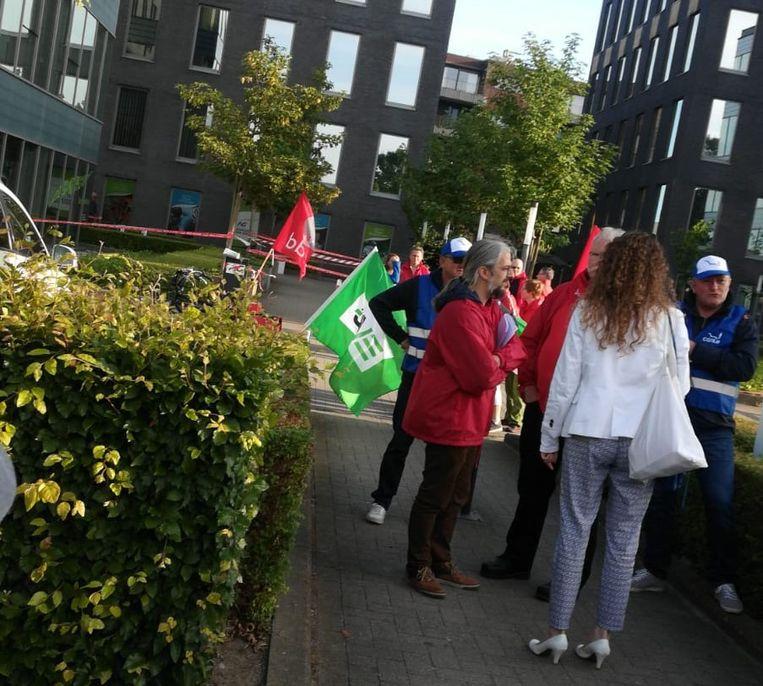 Vakbondsactie aan het gebouw van AG Insurance in Berchem.