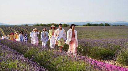 Modehuis Jacquemus viert verjaardag met modeshow op adembenemende locatie