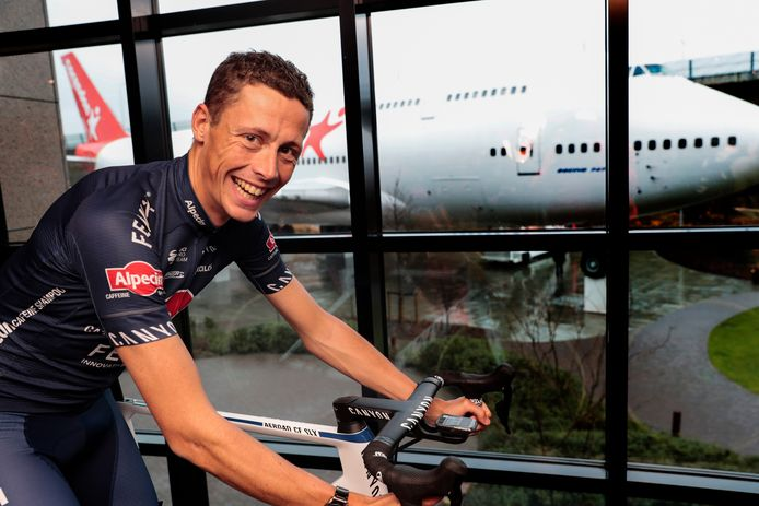 Oscar Riesebeek voor de start van een nu al gedenkwaardig wielerseizoen.