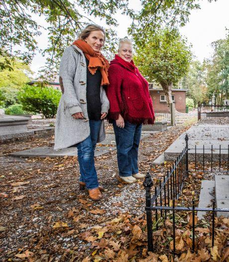 'Troubadichters' wekken overleden Hagenaars in woord of muziek tot leven tijdens 'Dichter bij de dood'