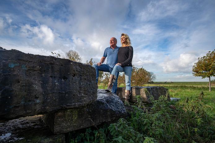 Henk Piening en Alice de Jong willen niet 'langs de zijlijn blèren' over een betere wereld, maar daadwerkelijk iets doen.