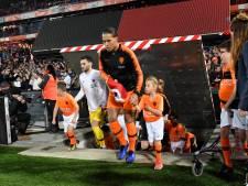 Virgil van Dijk wint harten na afgeven van trainingsjas aan Fieke