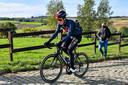 Van Baarle op verkenning voorafgaand aan de Ronde van Vlaanderen.