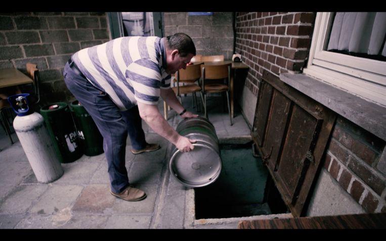 Wim Hamiaux maakte een mini-documentairereeks over de overblijvende volkscafés in Gent.