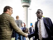 Spelers en supporters Ajax vertrokken naar Stockholm
