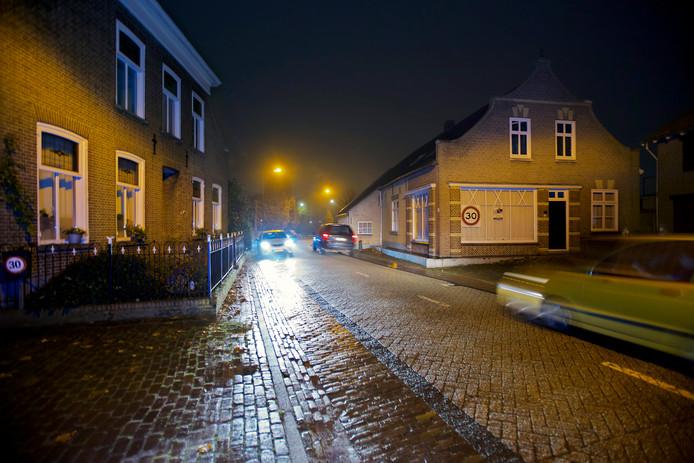 De gemeenteraad wil nu al zichtbare maatregelen tegen het sluipverkeer in de kern van Raamsdonk. Sommige bewoners kwamen in het verleden zelf al in actie.
