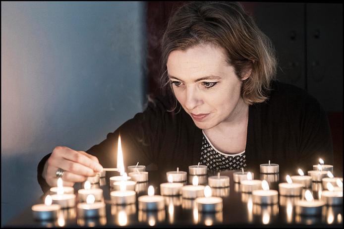 Floortje Agema, initiatiefneemster van wereldlichtjesdag in de Stevenskerk in Nijmegen.