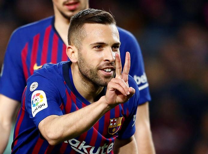 Jordi Alba viert zijn goal.