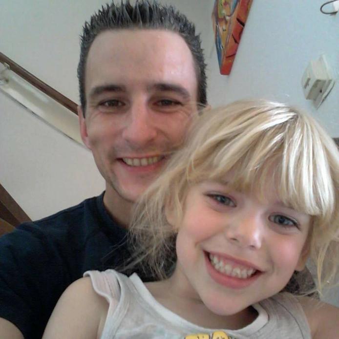 Sharleyne met haar vader.
