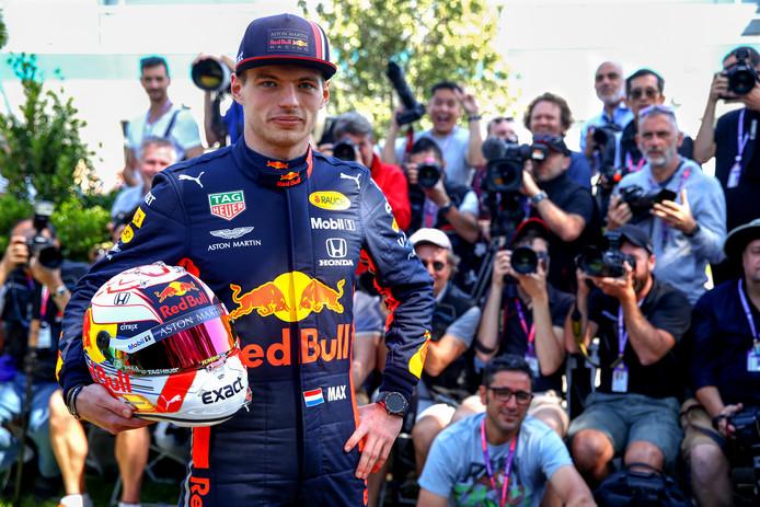 Veel belangstelling voor Max Verstappen aan de vooravond van het eerste raceweekend van het seizoen.
