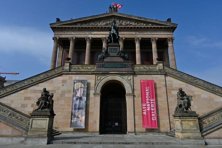 De Alte Nationalgalerie. Op ongeveer zeventig objecten in de toonaangevende musea is een olieachtige substantie aangetroffen.  Beeld Hollandse Hoogte / AFP