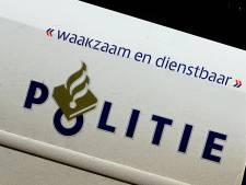 Auto in Helmond ramt diverse geparkeerde auto's: twee mannen opgepakt