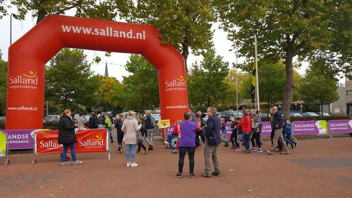Veel deelnemers bij de vierdaagse. Foto: Merten Simons