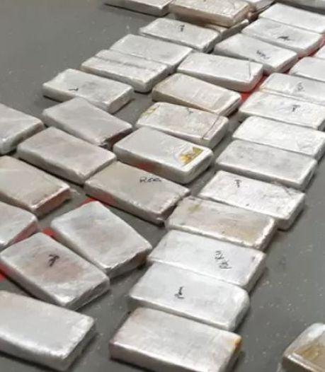 Rotterdammer aangehouden met 1,5 miljoen euro cash én 82 kilo coke