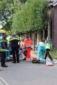 Scooterrijder zwaargewond door aanrijding in Almkerk