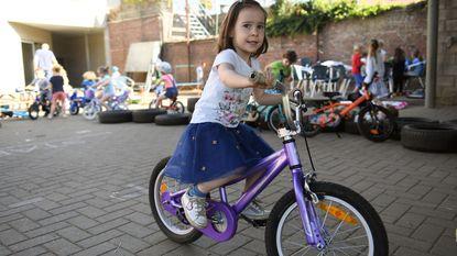 Kinderen kunnen lekker fietsen op buitenspeeldag