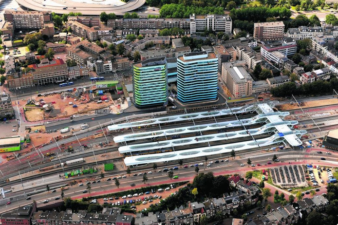Station Arnhem gezien vanuit de lucht. Foto Hans Broekhuizen/DG
