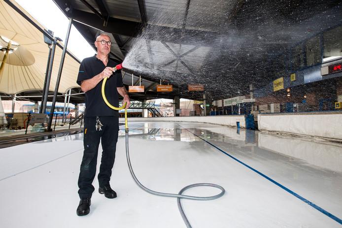 IJsmeester Tonnie Horstman  kan niet wachten op het nieuwe schaatsseizoen.