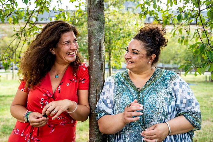Het Berchems duo Galia en Dorotea van ArmenTeKort zijn al buddys van elkaar.