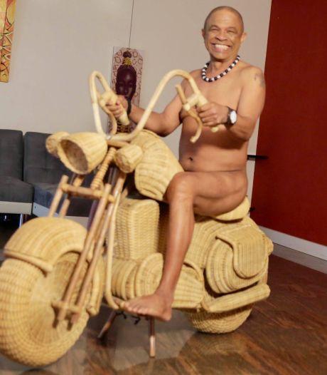 Francky Vincent pose nu pour son anniversaire