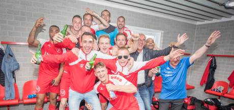 Veenstra waarschuwt FC Lienden na binnenhalen periodetitel: 'Er extra op gebrand te winnen'