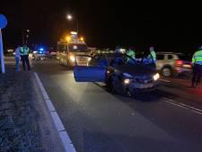 Gewonde bij ongeval op dijk Olst, weg afgesloten