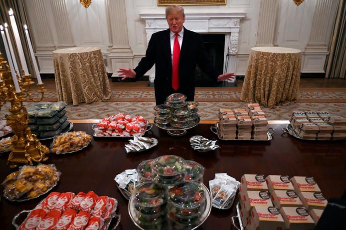 """Een voorkeur voor een bepaalde fastfoodketen heeft Trump naar eigen zeggen niet, """"als het maar Amerikaans is""""."""