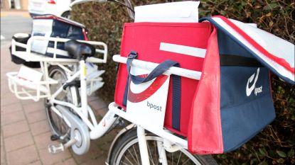 Oud-postbode was ermee weg: Oostendenaars krijgen post na twee jaar