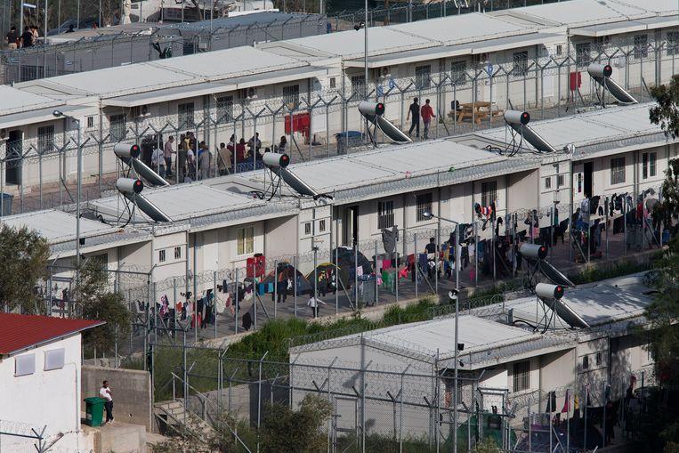 Drieduizend plaatsen zijn er officieel, maar er zitten nu ongeveer negenduizend vluchtelingen. Dat is een record. Beeld AP