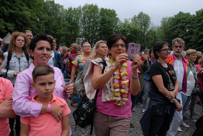 Het publiek was massaal aanwezig tijdens de officiële opening op de Parade.