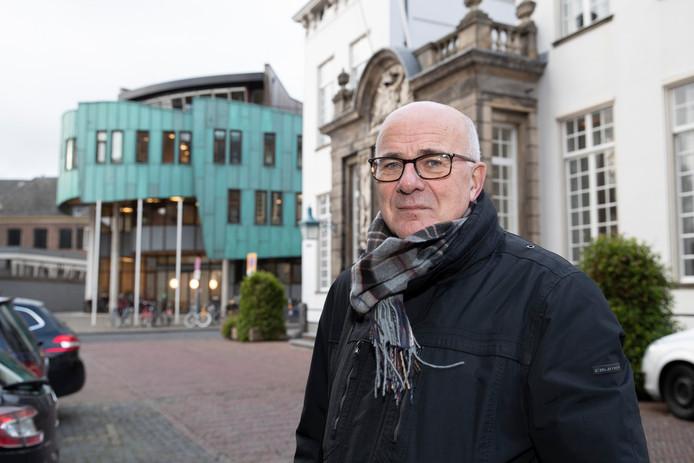Hans Derksen, voorzitter van Verbindkracht, een platform voor organisaties die de armen in Zutphen en omgeving helpt is kritisch over de bezuinigingen op de sociale voorzieningen in Zutphen.