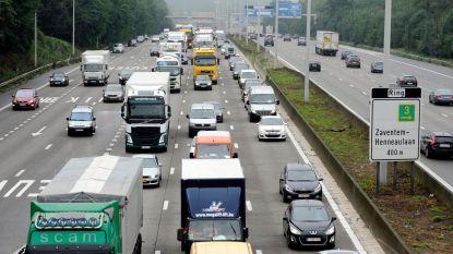 File door brandend voertuig op Brusselse buitenring