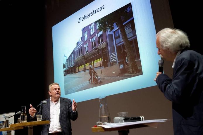 Vastgoedhandelaar Ton Hendriks (links).