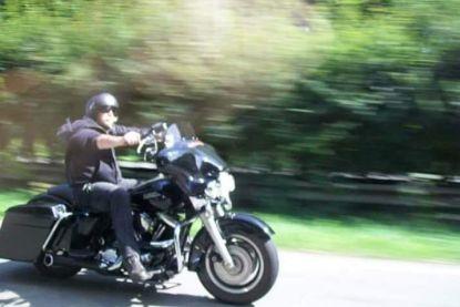 """Dief brengt gestolen motor van overleden motard terug en laat briefje achter: """"Sorry, ik ben mijn ouders ook verloren"""""""