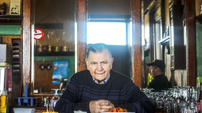 Gekende cafébaas Maurice van 't Stroomtje in Leke zaterdag begraven