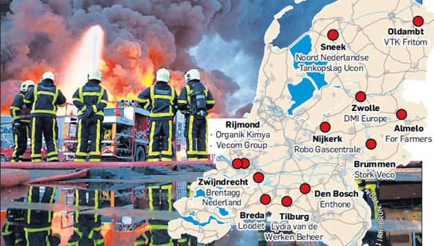 De brand op 5 januari legde Chemie-Pack volledig in de as. © FOTO ARIE KIEVIT / GRAPHIC AD