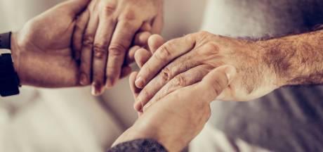 'Geef oudere met AOW'tje vergoeding voor dakloze in huis'