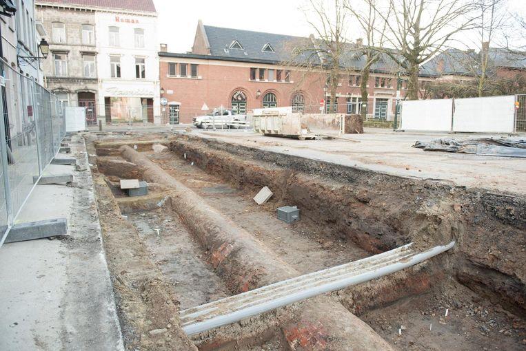 De opgravingen op het Kaatsspelplein zijn volop bezig.