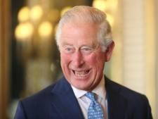 Butler klapt uit de school over theemanieren prins Charles: 'Zijn lepeltje moet altijd rechts liggen'