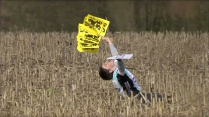 Boonen-fan (11) die op z'n knieën valt in maïsveld is 'meest memorabele Ronde-moment'
