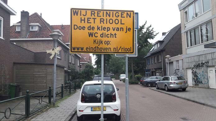 Ook in Eindhoven krijgen inwoners het advies om de 'klep van de wc' dicht te doen als het riool gereinigd wordt.