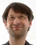 ,,Het is heel ingewikkeld'', zegt Gareth Davies, hoogleraar Europees recht aan de Vrije Universiteit in Amsterdam. ,,Dit is een hoe-lang-is-je-piemel-wedstrijd.''