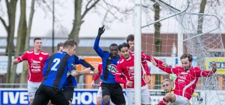 Almkerk-keeper Korebrits stopt strafschop in slotfase, GRC 14 laat punten liggen tegen tien man