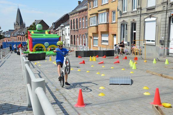 Tour de France in Geraardsbergen - Randanimatie op de Vesten.