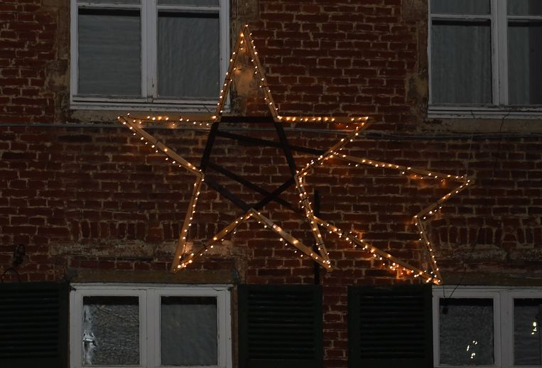 De kerstster is de blikvanger van de kerstverlichting in centrum Oud-Heverlee