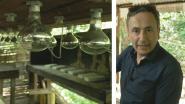 Faroek bezoekt illegaal drugslab in Colombiaanse jungle