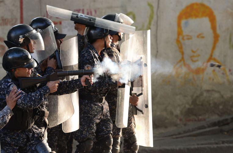 Venezolaanse parlementsvoorzitter roept leger op president Maduro naar huis te sturen